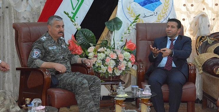 رئيس مجلس المحافظة يدعو الى التعامل الحضاري مع المتظاهرين ويؤكد الغاء قرار المجلس الخاص بموظفي العقود
