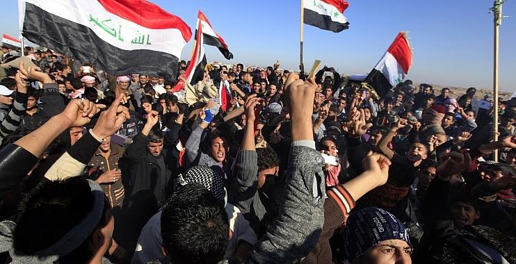 العشرات من اهالي ناحية البشائر في واسط يتظاهرون للمطالبة بتمليكهم دور سكناهم