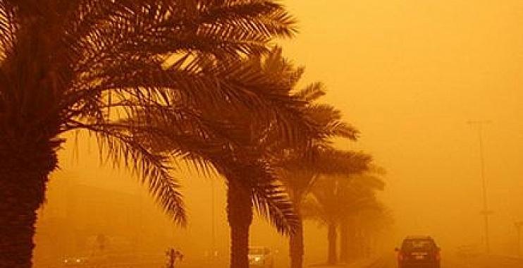 واسط: عاصفة ترابية وامطار قوية تؤدي الى حوادث مرورية وسقوط اعمدة كهرباء
