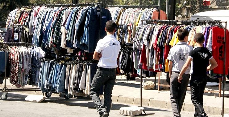 البالات وأسواق العتيق الملاذ الأخير للعائلات النازحة في الكوت