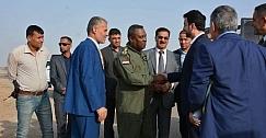 وزير النقل يصل مطار الكوت ويؤكد افتتاحة بعد ستة اشهر
